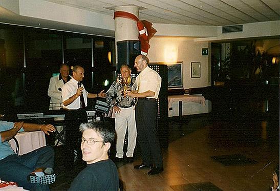 2001_4